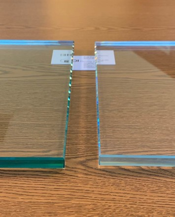 Glass Options: (left) Standard glass (right) Low Iron glass