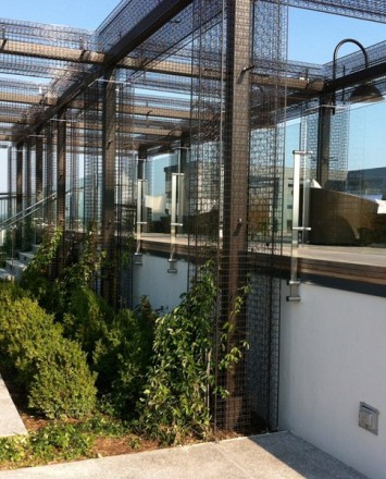 Rooftop Spa Sun Deck, DC, Kubit guardrail with glass infill panels
