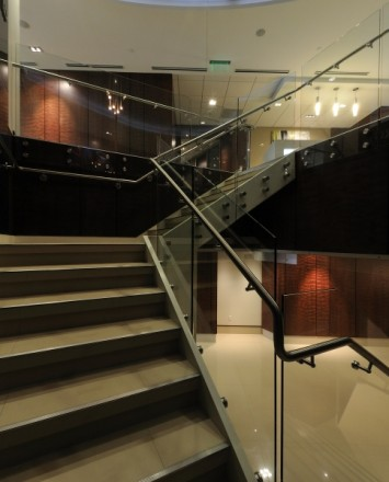 Barnes and Thornberg law offices, CA, Optik guardrail with clear glass