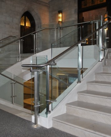 Mount Saint Mary's, NY, Konic guardrail with glass infill panels