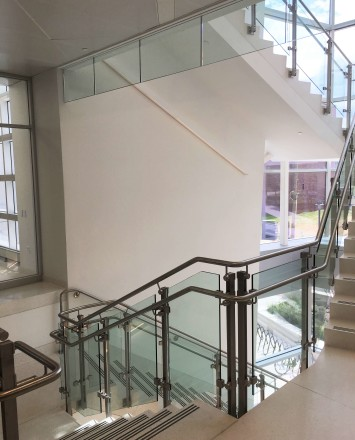 Rutgers University, NJ, Smoke baffle system with inox railing system