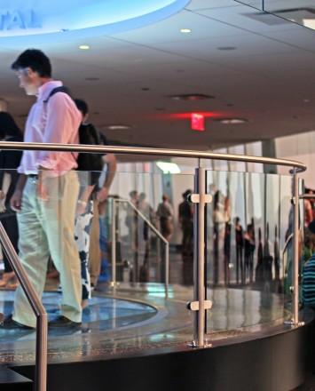 One World Trade Center Sky Portal , NY, Smoke baffle system with Circum Round railing system