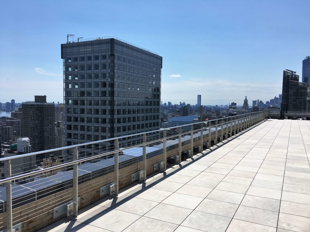 HDI's Koto railing system at 2 Park Avenue
