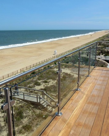 View of CIRCUM guardrail with clear glass infill.